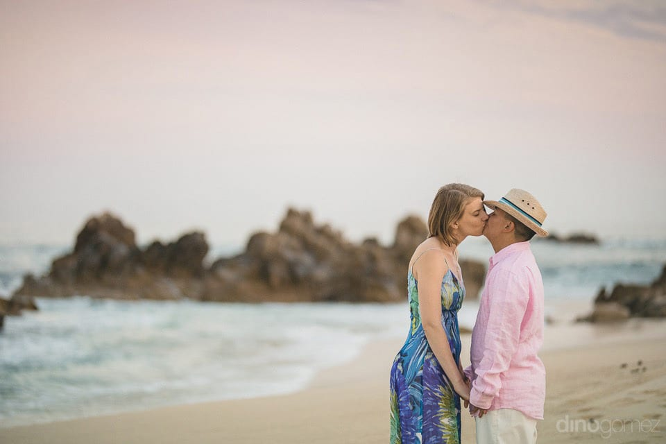 Kiss of Love at the beach side by Lindsay & Clark