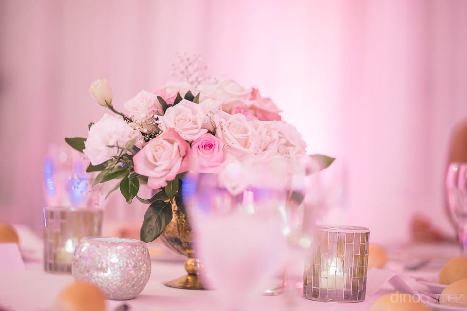 The dinning table looks amazing with beautifull decoratives in complemenatry colors- Shannon & Jordan