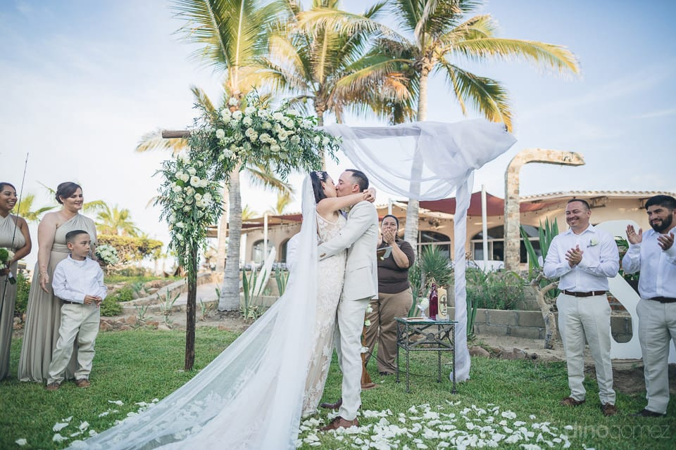 Gorgeous Couple Is Kissing Each Other Passionately Immidiately After Being Announced As Husband And Wife- Christina & Steve