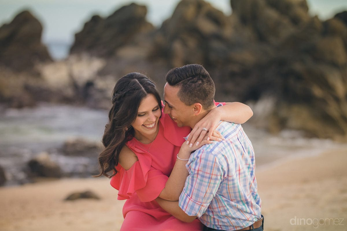 Lovely Engagement Session in Cabo San Lucas - Julia & Mauricio