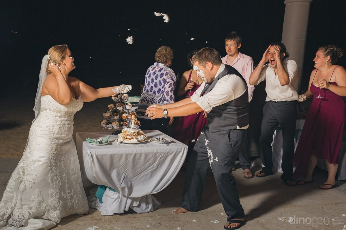 Cabo Photographers Cake Cutting fight - Important Moments