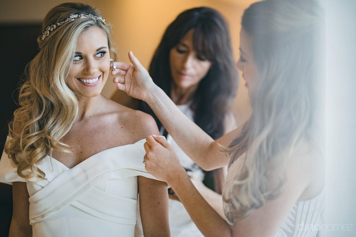Cabo San Lucas Photographer Beautiful Bride Getting Ready- Important Moments