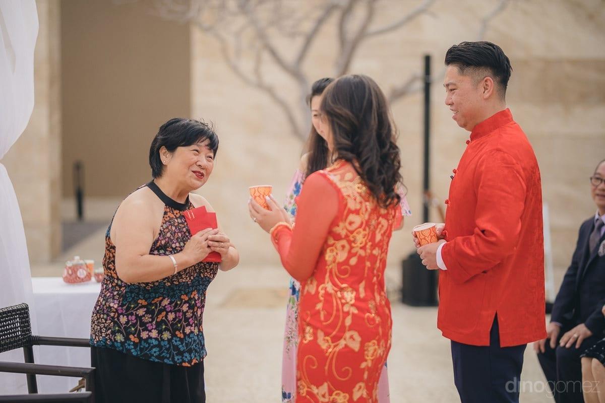 Entrega De Sobres En Boda Tradicional China En Colombia Ff