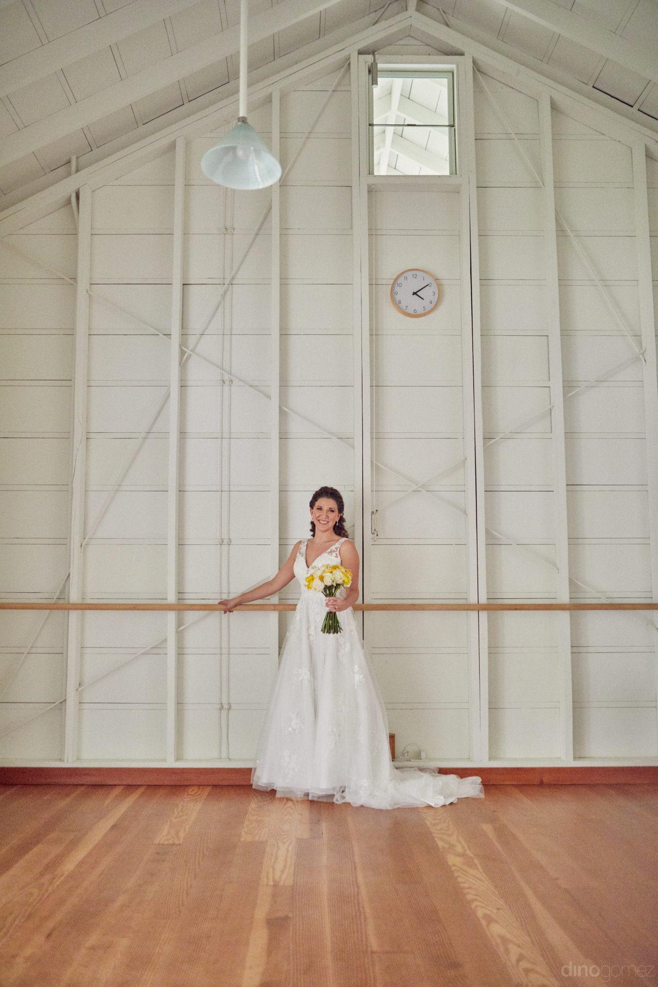 Minimalist Destination Wedding Photos In Mexico - Hilary & Bryan Flora Wedding