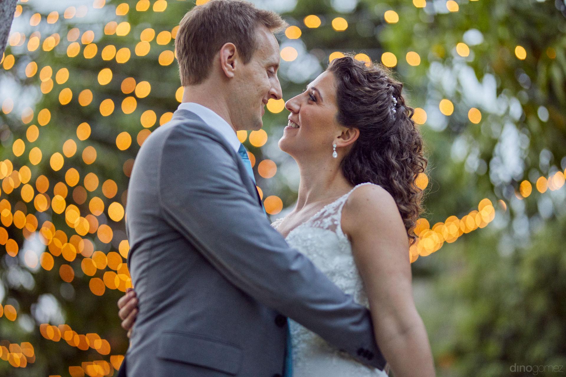 Best Cabo Wedding Photographers - Hilary & Bryan Flora Wedding