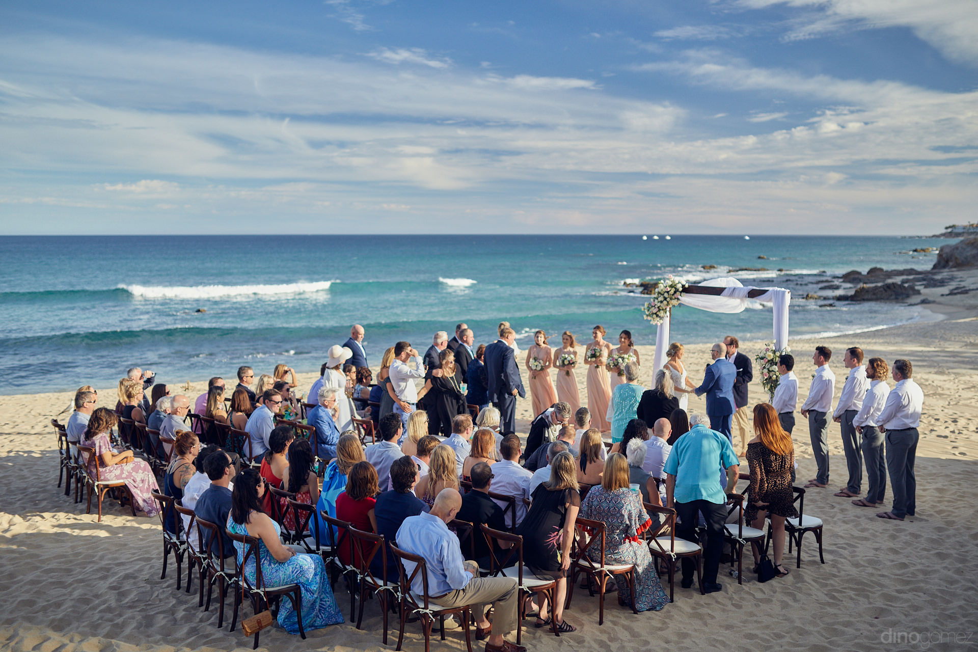 Cabo San Lucas Photographer Nearly Missed What Was Unveiling In The Back - Mm