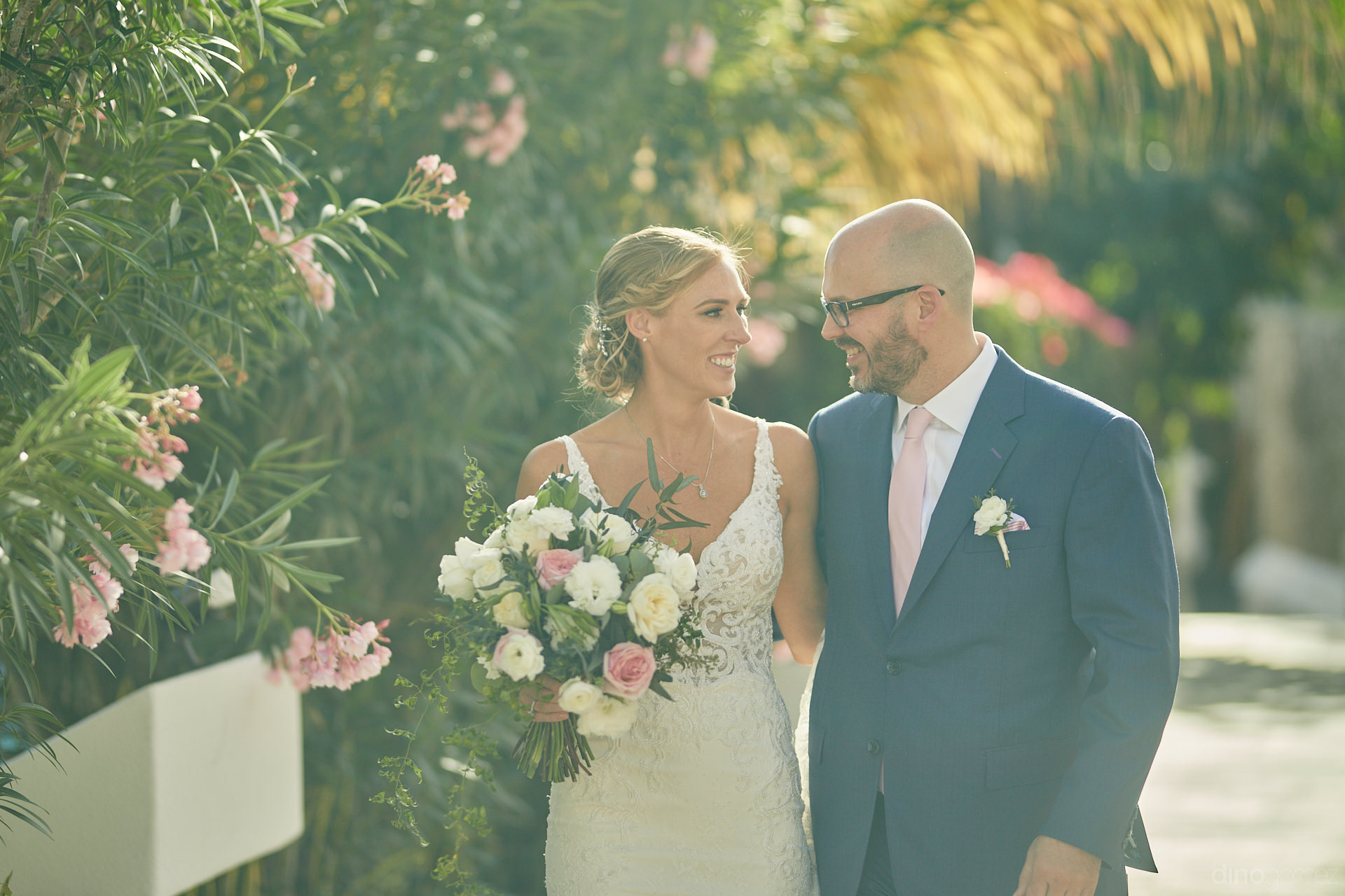 Cabo Wedding Planners Hired This Photographer And Were Surprised - Mm