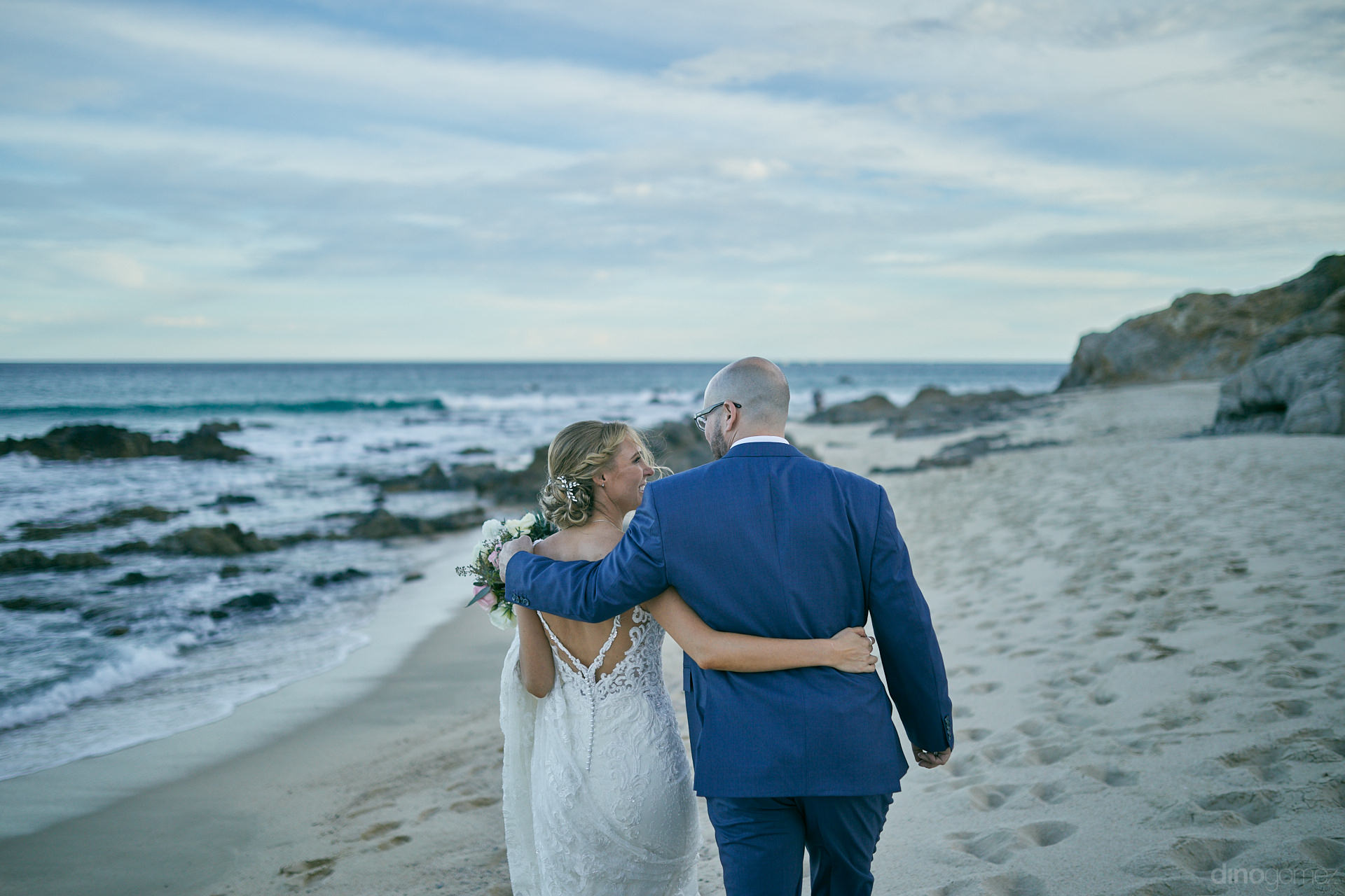 Destination Wedding Photographer In Cabo Dino Gomez Was Behind This Couple - Mm