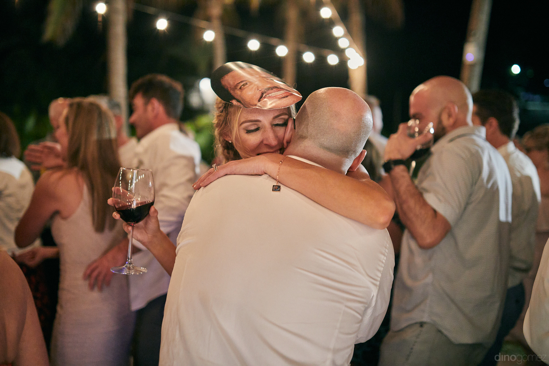 High End Wedding Photographer Will Never Miss This Moment