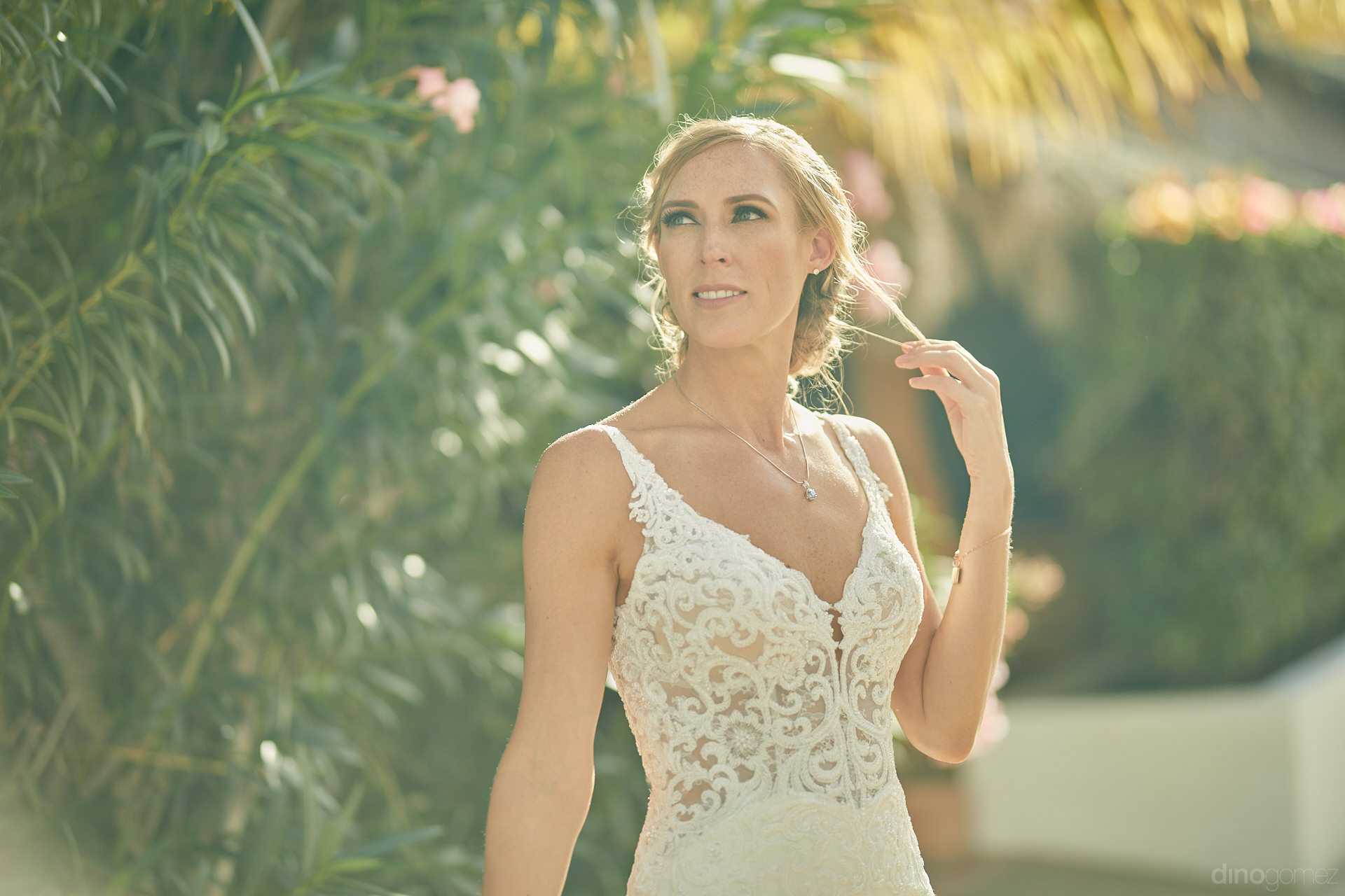 Los Cabos Wedding Photographer Captured This Bride Unaware Of What Was Happening - Mm