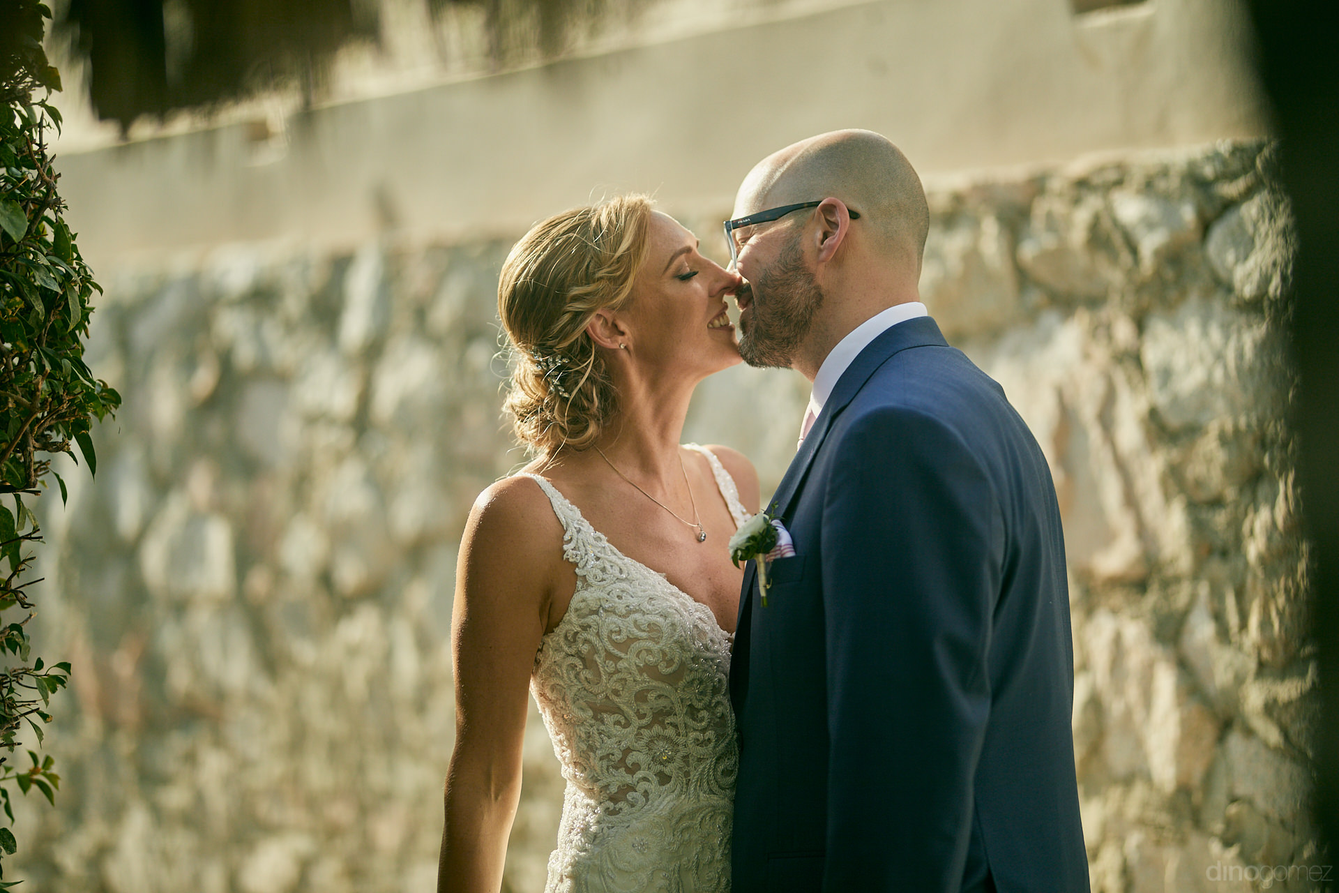 Los Cabos Wedding Photographer Caught This Couple Unaware Of What Was About To Happen - Mm