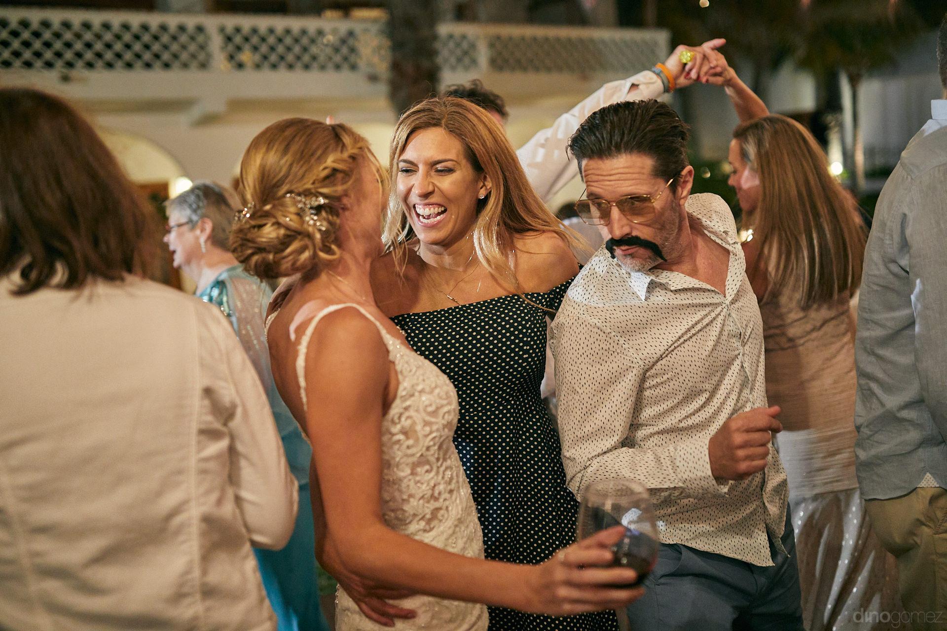 Los Cabos Wedding Vendors List Had Dino Gomez Photographer At The Top