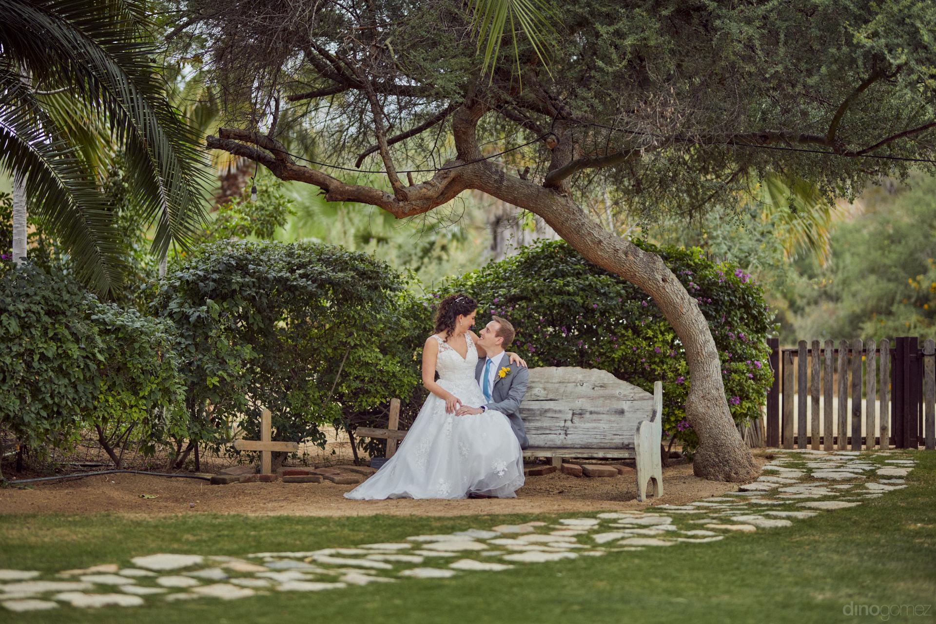 Top Destination Wedding Photographers - Hilary & Bryan Flora Wedding