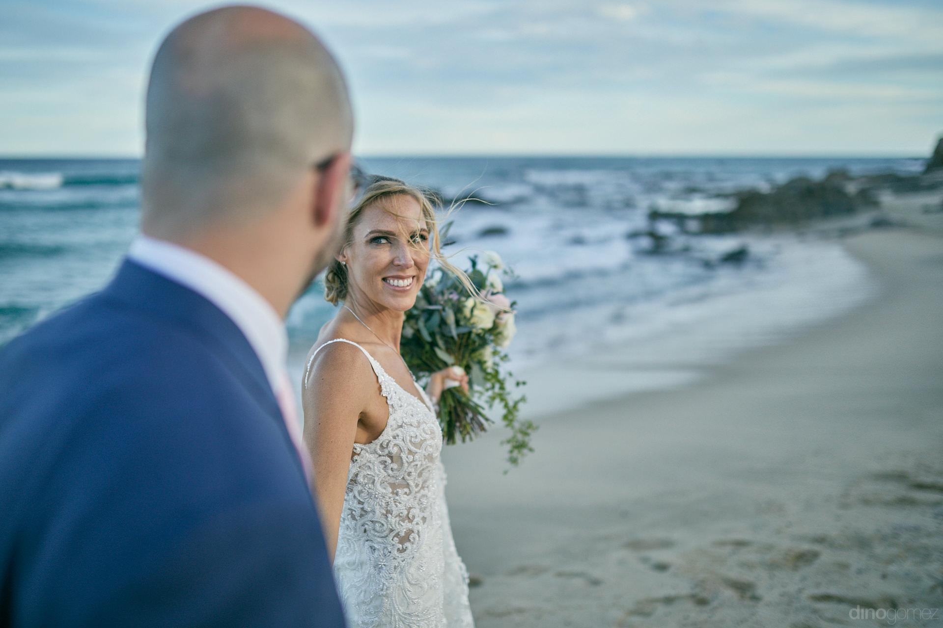 Wedding Photographer In Cabo San Lucas Unexpected Beach Moment - Mm