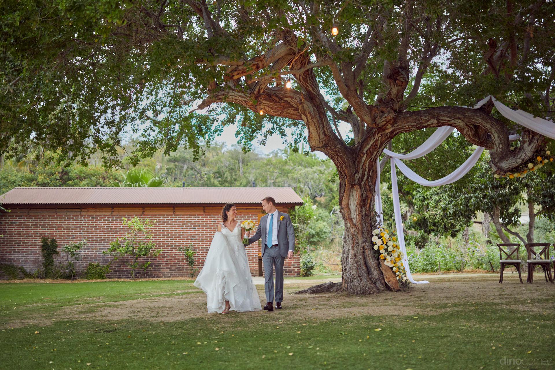 Wedding Photographers In Cabo San Lucas - Hilary & Bryan Flora Wedding