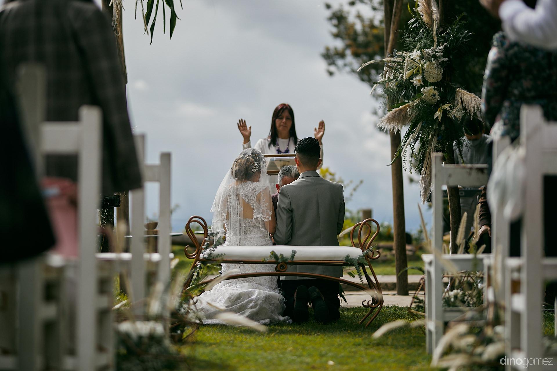 006 - Diy Budget Destination Weddings Can Be Prety Too!