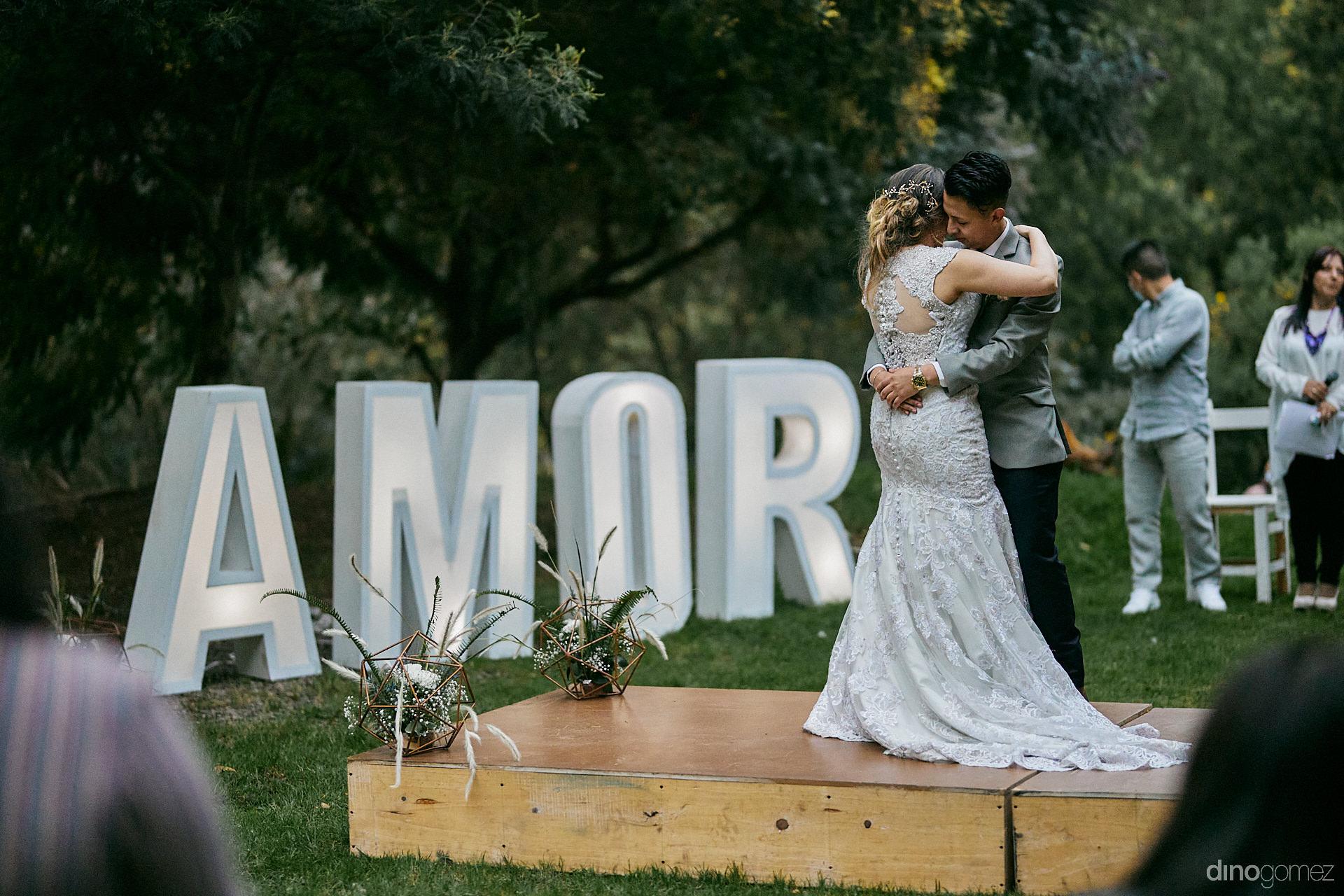 028 - Diy Budget Destination Weddings Can Be Prety Too!