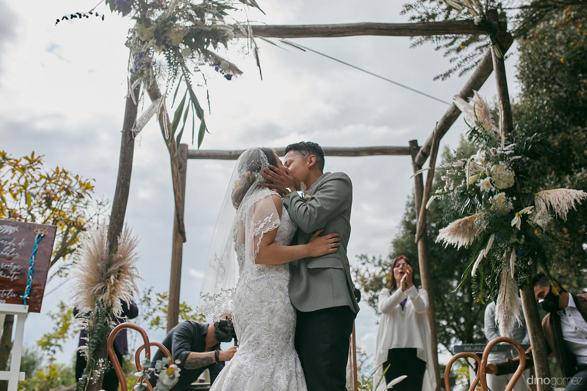 039 - Diy Budget Destination Weddings Can Be Prety Too!