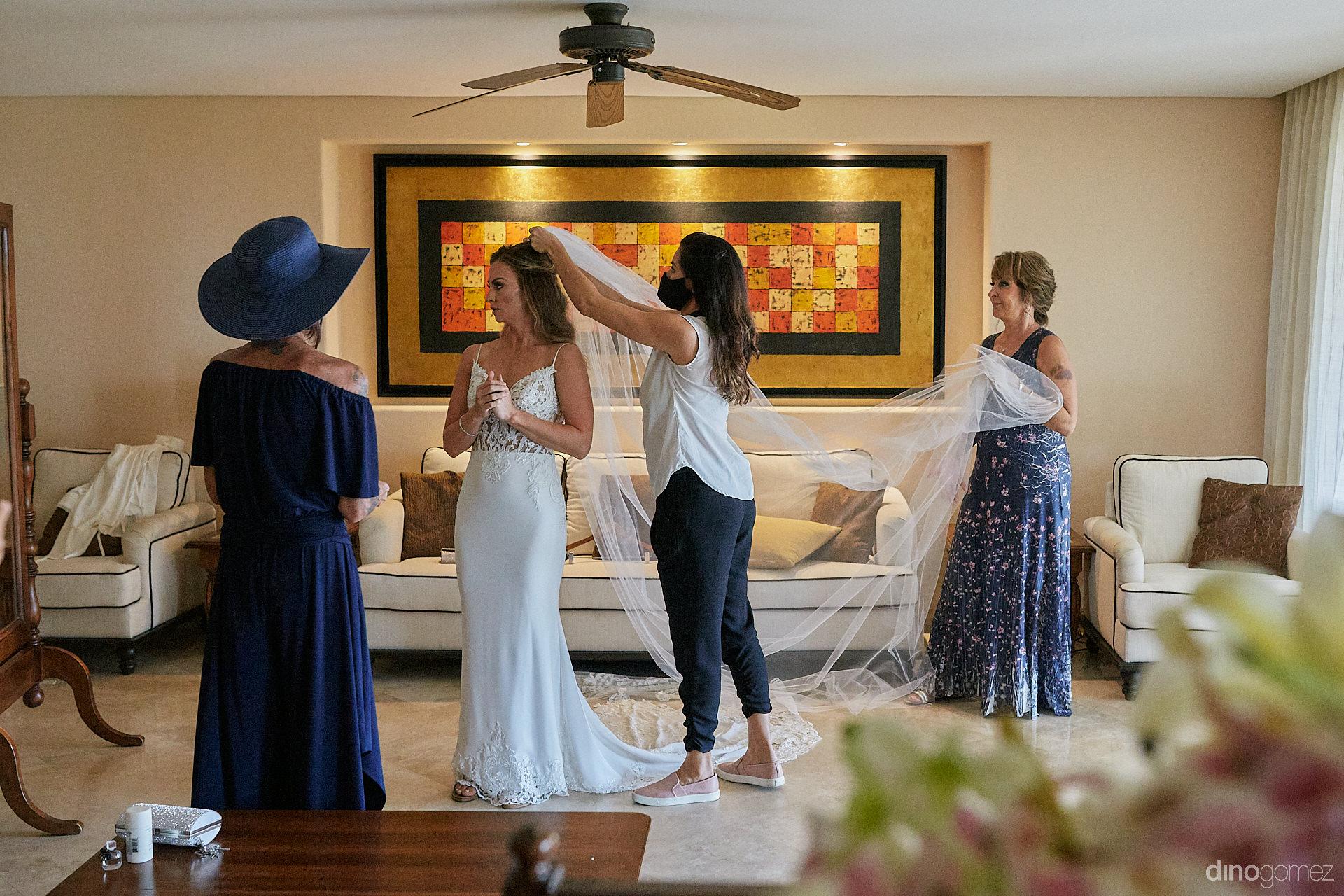 Cabo Engagement Photographer - Luxury Wedding Photographer In Cabo Dino Gomez - C&T