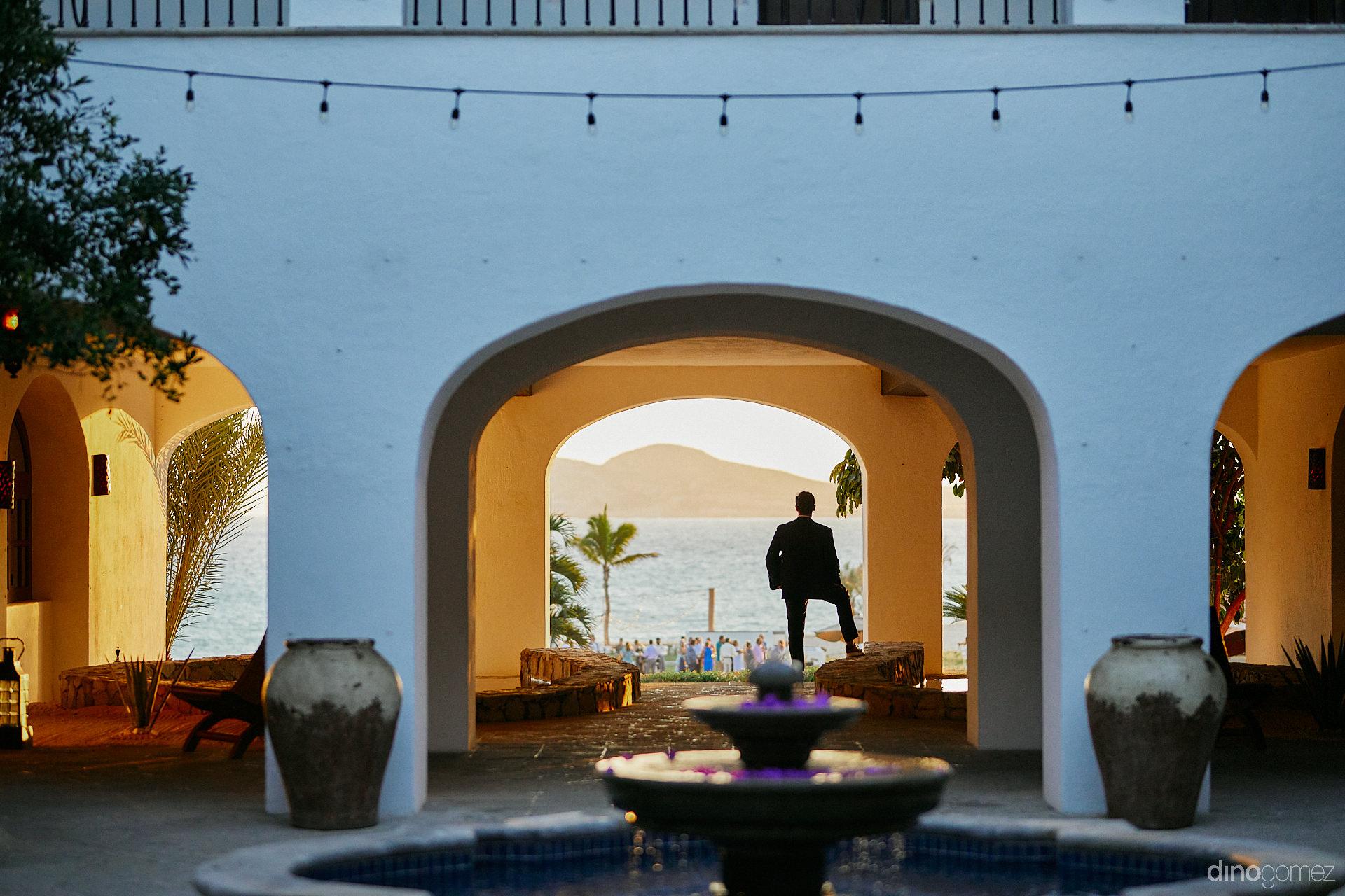 Cabo Photographers - Luxury Wedding Photographer In Cabo Dino Gomez - C&T