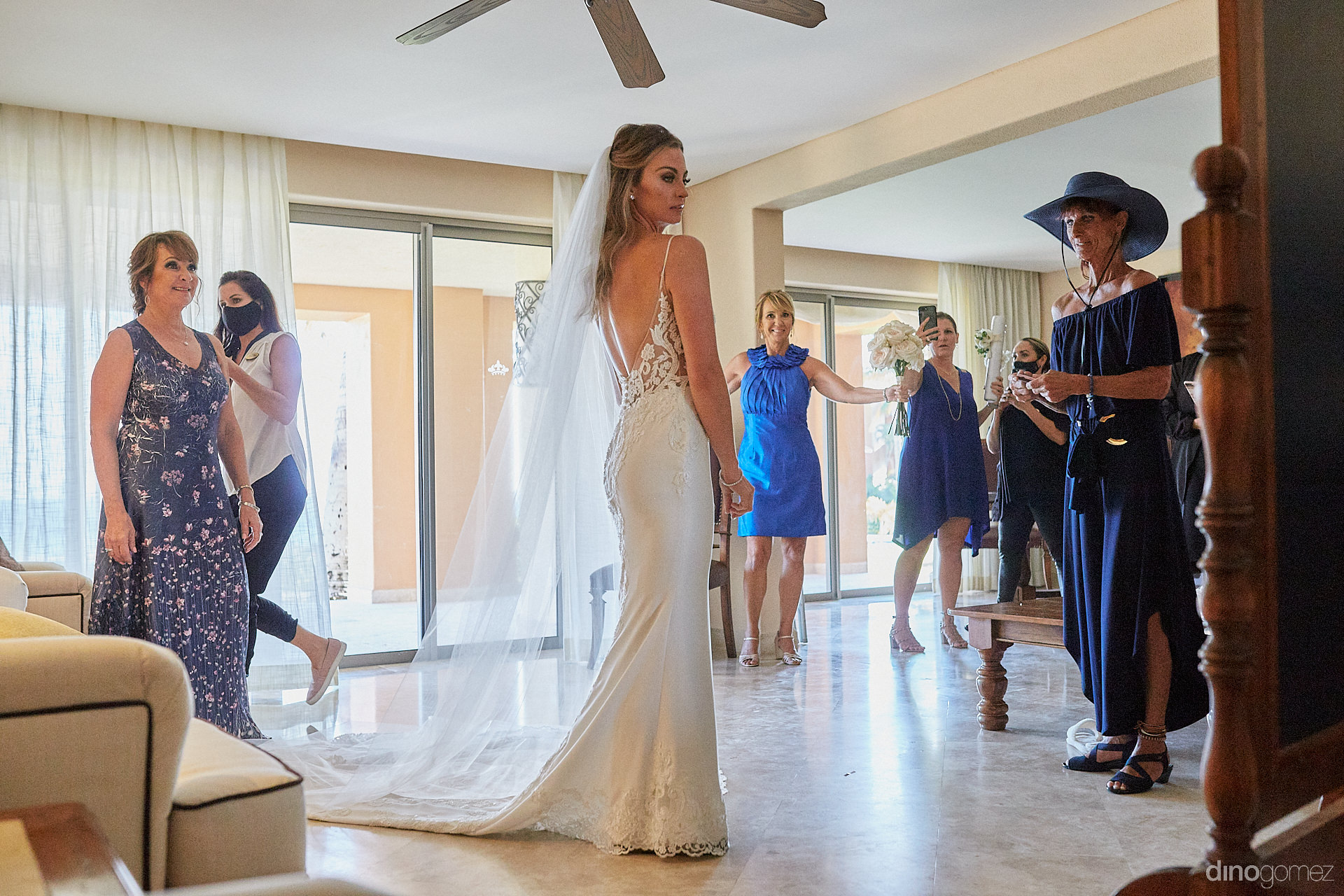 Cabo San Lucas Photographers - Luxury Wedding Photographer In Cabo Dino Gomez - C&T