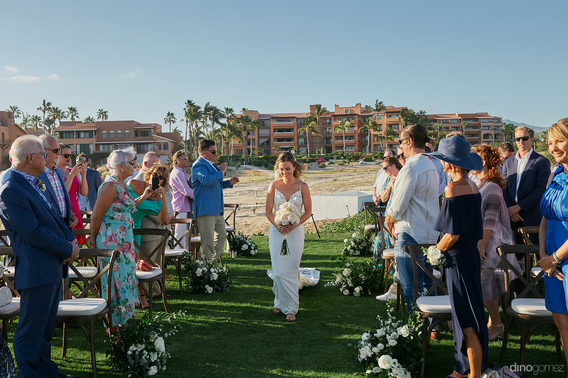 Cabo San Lucas Wedding Planner - Luxury Wedding Photographer In Cabo Dino Gomez - C&T