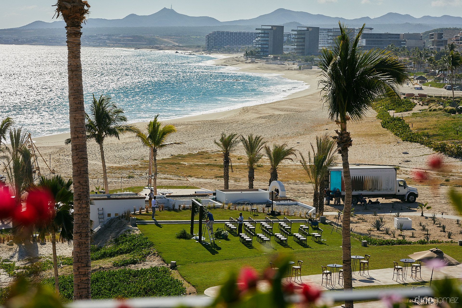 Cabo Wedding Packages - Luxury Wedding Photographer In Cabo Dino Gomez - C&T