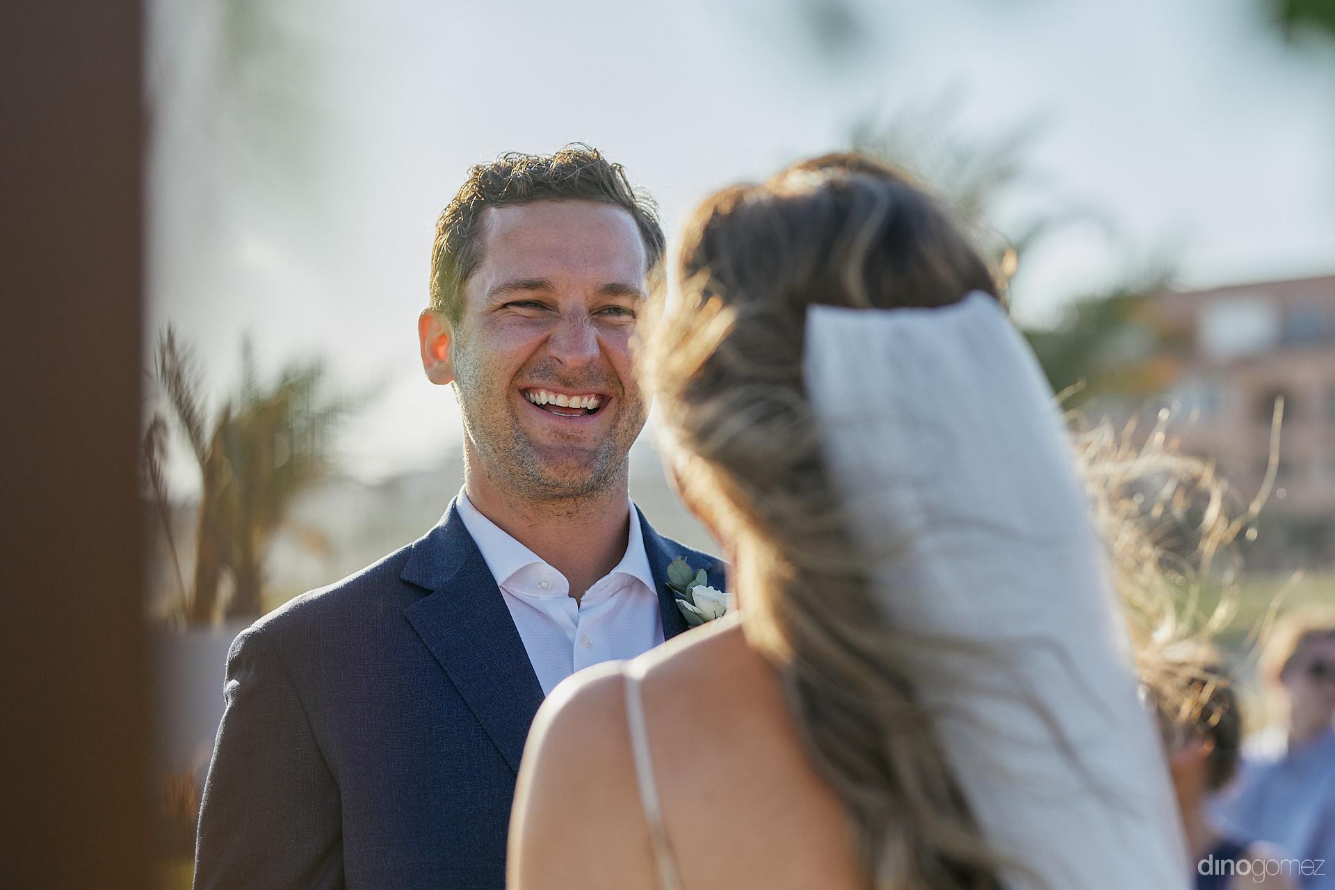 Los Cabos Wedding Planner - Luxury Wedding Photographer In Cabo Dino Gomez - C&T