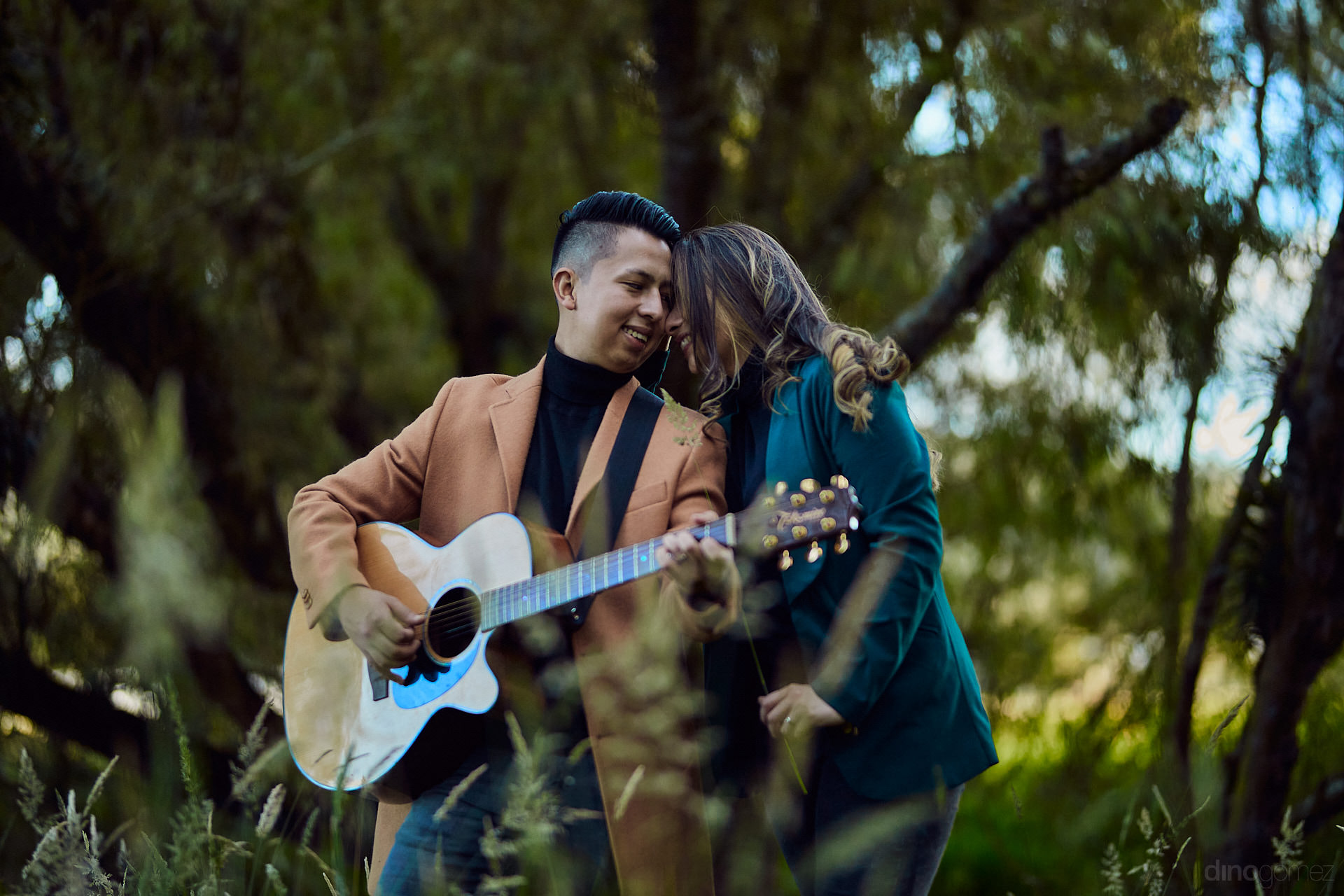 Beautiful Destination Wedding Photography In Mexico, San Miguel De Allende And Queretaro. Full Service Photography, Editorial Coverage Of Your Wedding, Albums, Announcemets And Couple Portraits.