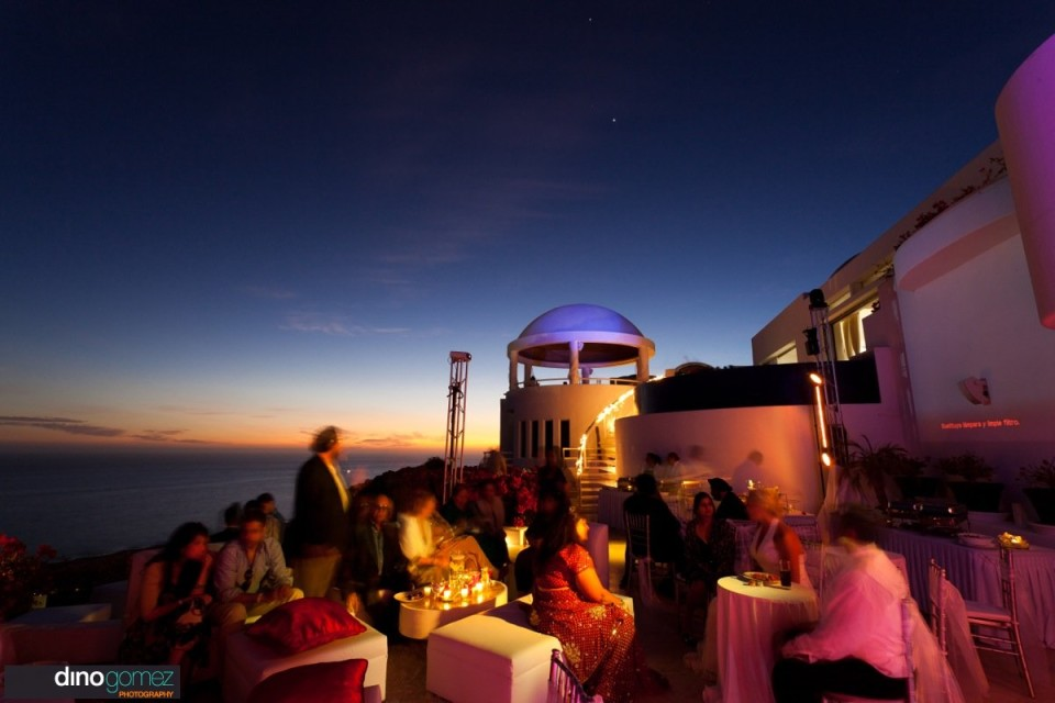 Stunning sunset wedding dinner in Mexico